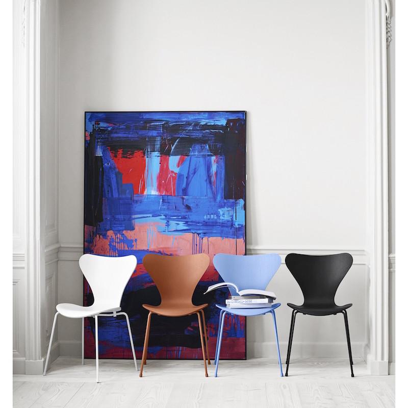 Series 7tm  Chair-Monochrome