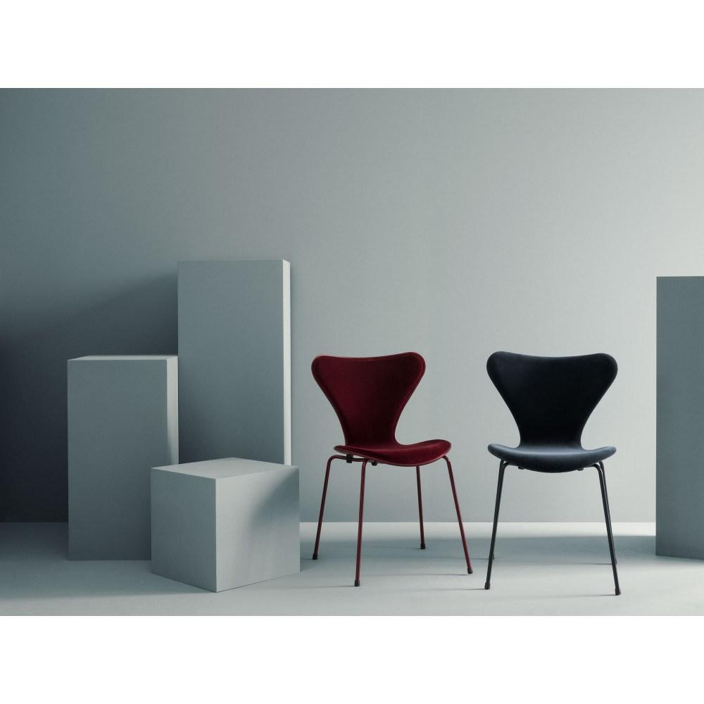 FRITZ HANSEN X LALA BERLIN SERIES 7 chair