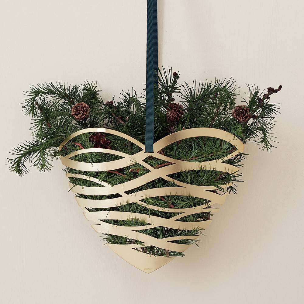 Tangle Brass Christmas Heart