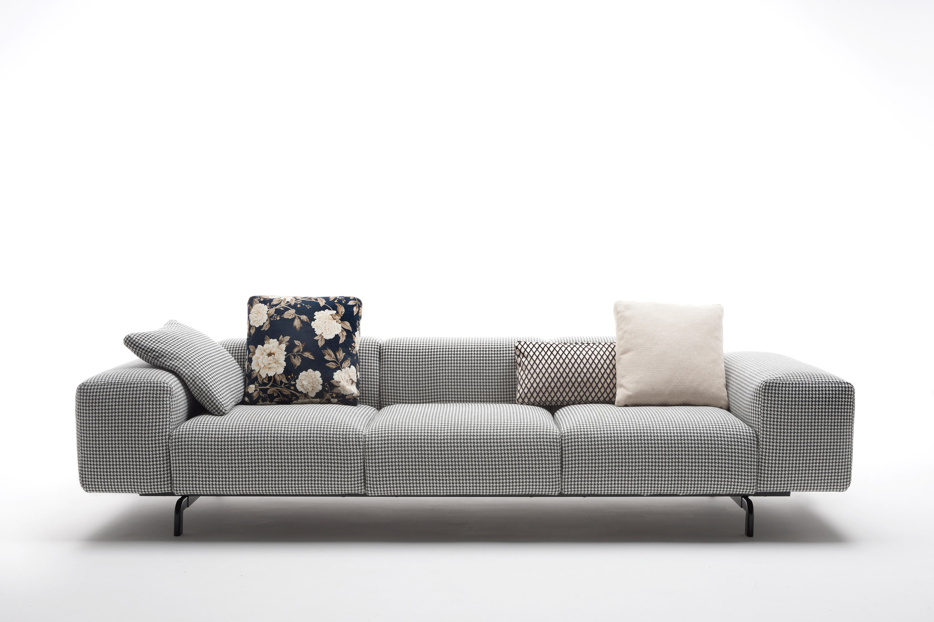 Largo 3 seater sofa 301 x 96 x 69cm