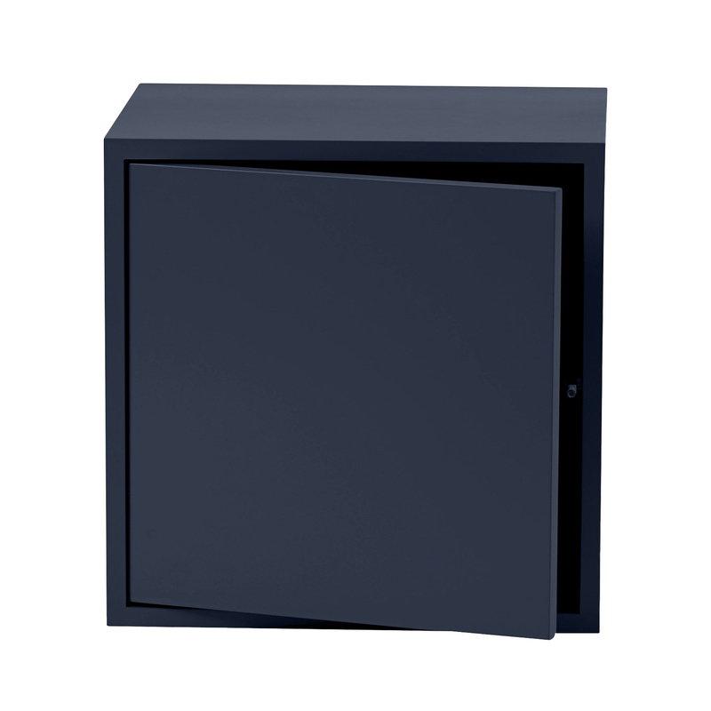 Stacked 2.0 shelf module w/door, medium.